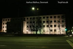 Aarhus Rådhus med det meste af lyset slukket