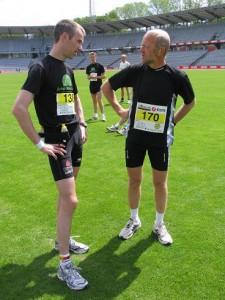 Før starten på Aarhus Marathon snakker MontBlanc tur med Hans