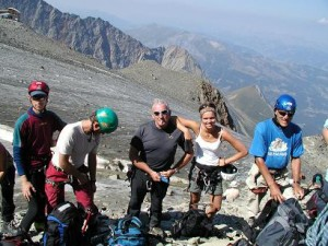 så er vi på vej mod Mont Blanc her er vi klar til traversen over isen ved Tete Rousse.