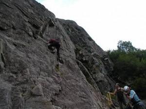 """Istedet for Mont Blank toppen får vi noget indøvelse i at klatre på klippevæge. Mig i """"fin"""" stil"""