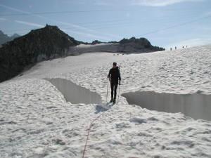 Fra Italien traversere over Vallee Blancee Gletcheren med mange Spalter.