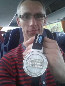 Selfie i bussen efter bad. var lige lidt skuffet her...! Men medaljen kom med hjem ;-)